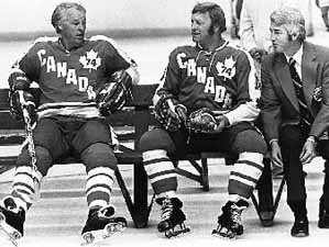 Gordie Howe, Bobby Hull and Toros' coach Billy Harris
